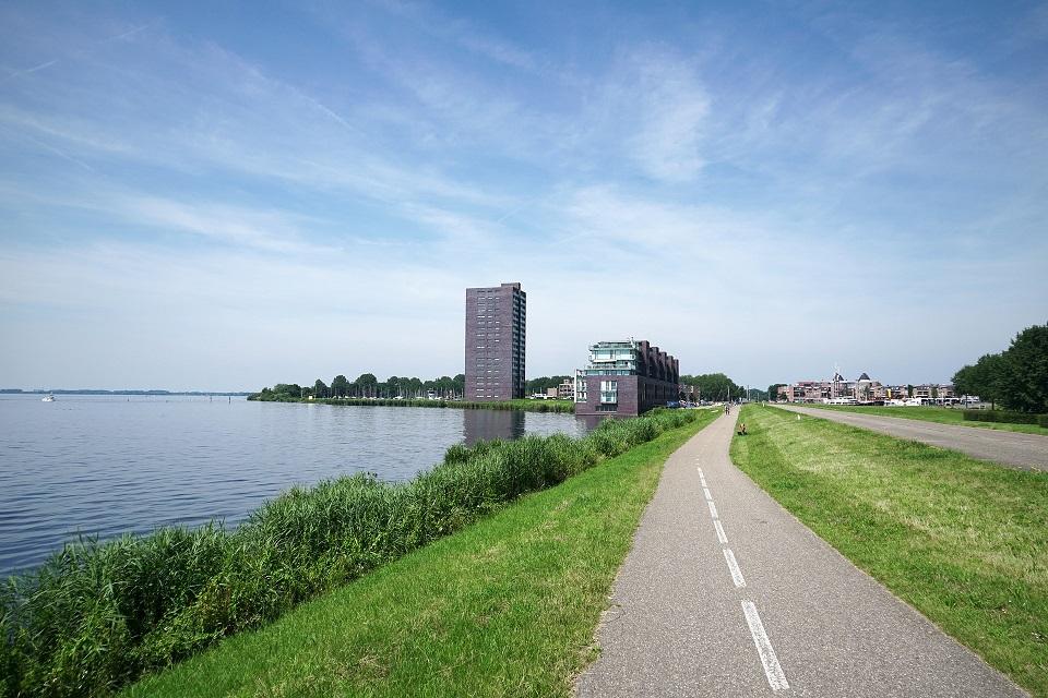 Op Goedkopecontainer.nl huurt u een container voor bouwafval / sloopafval in Almere tegen de beste prijs.