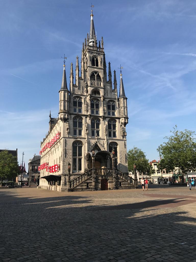 Bij Goedkopecontainer.nl huurt u een grofvuilcontainer in Gouda tegen de allerbeste prijs.